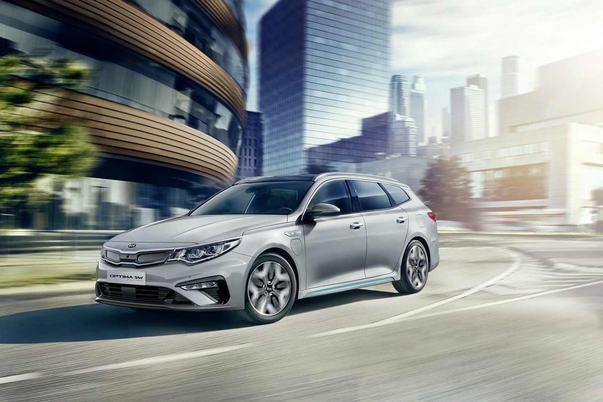 kia-optima-sw-plug-in-hybrid