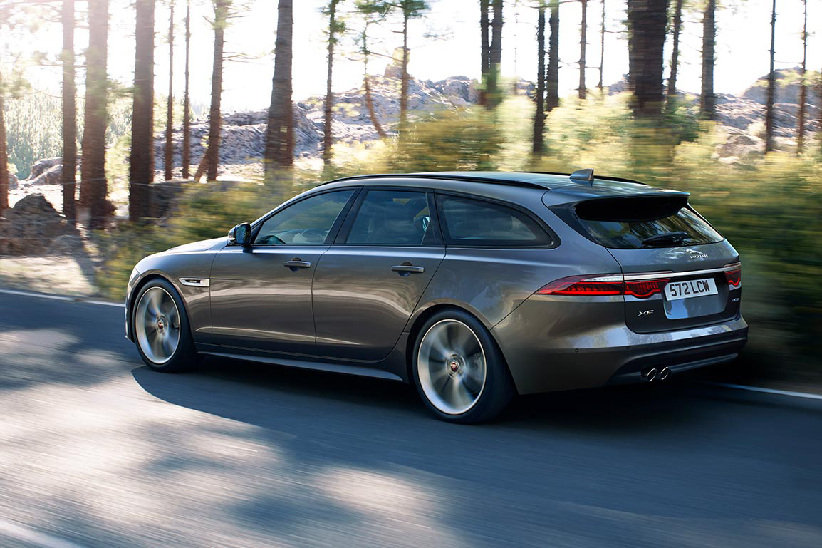 jaguar-xf-sportbrake-action-1