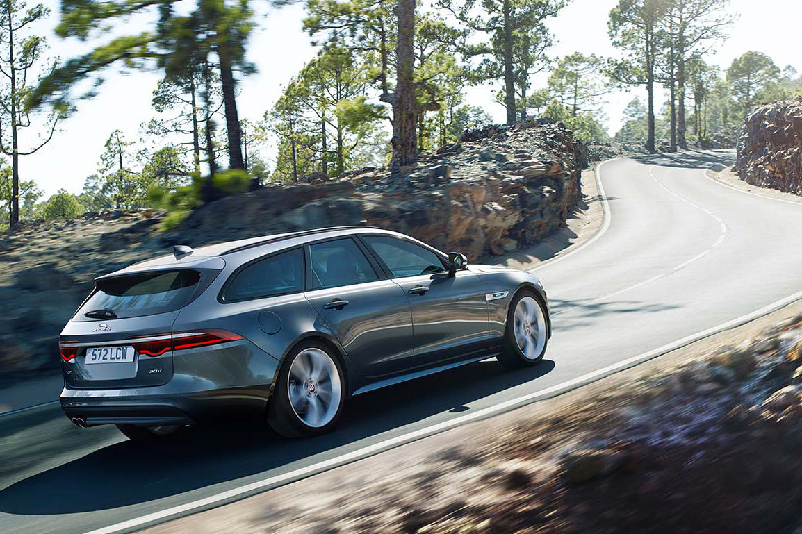 jaguar-xf-sportbrake-action-4