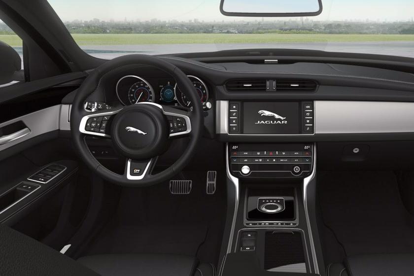 jaguar-xf-sportbrake-interior-1