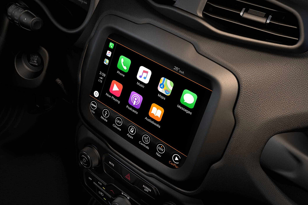 2018-jeep-renegade-with-apple-carplay